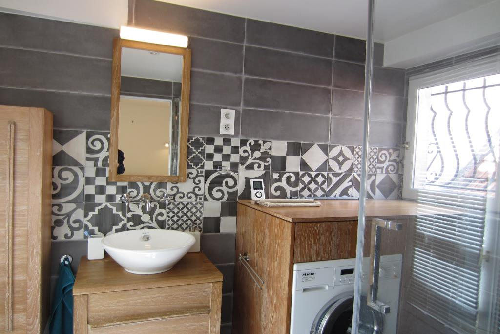 location appartement meubl paris 04 cattalan johnson immobilier. Black Bedroom Furniture Sets. Home Design Ideas