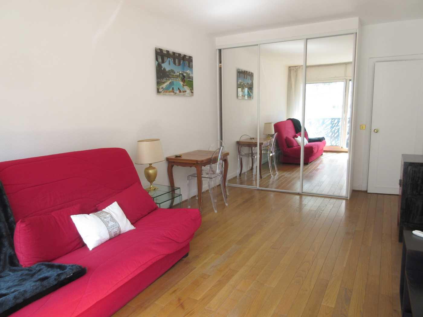 Location appartement meubl paris 8 cattalan johnson immobilier - Recherche studio meuble paris ...