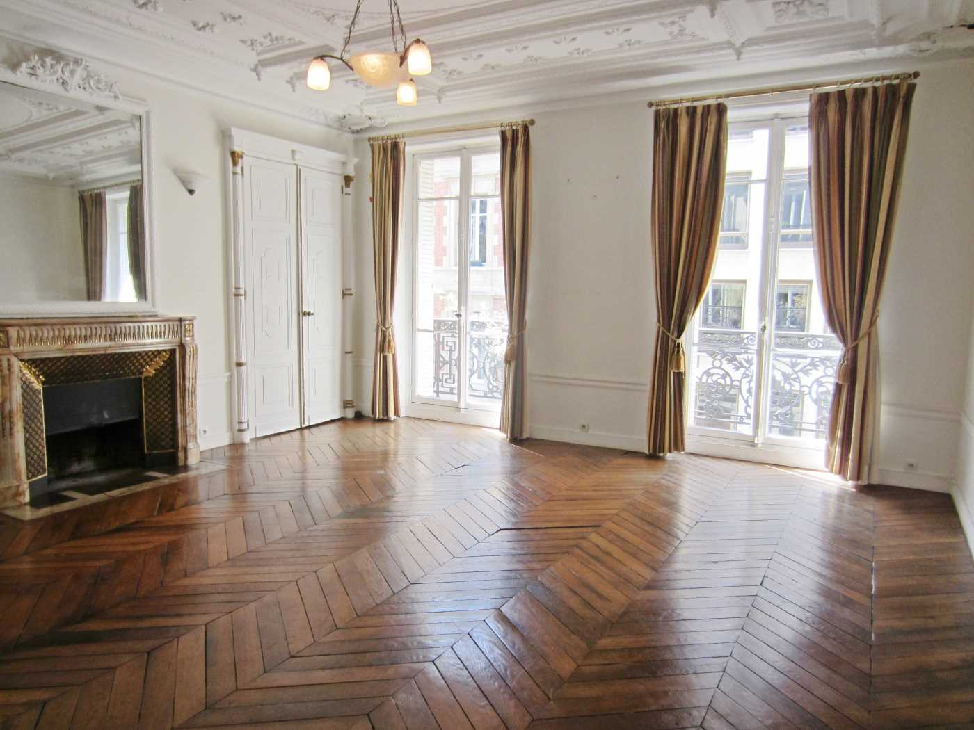 Location Appartement Vide PARIS 08